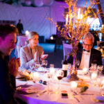Bryllup med flot og rustik borddekoration